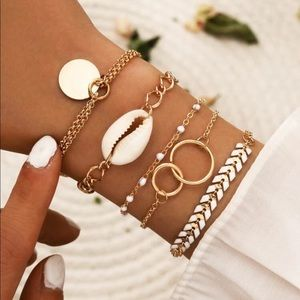 Jewelry - 🆕 Shell Bracelet Set